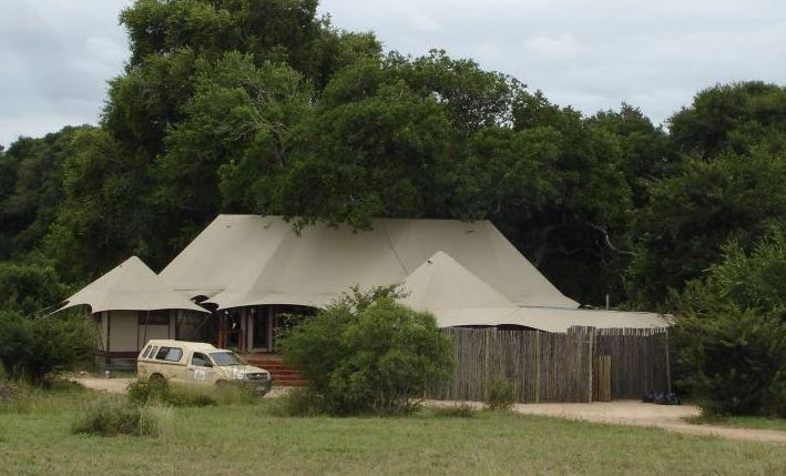tented-and-safari-lodges-plus-bush-camps